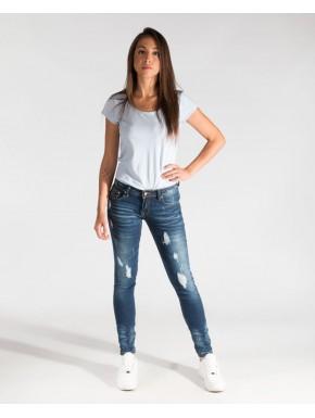 Jeans con detalles desgastados